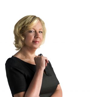 Deborah Meaden backs EWS Solar Power